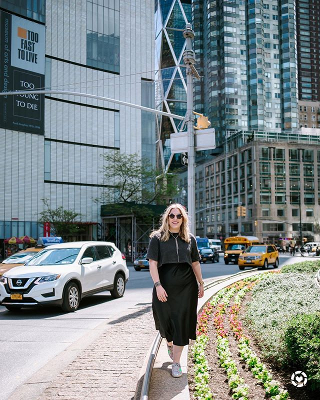 Ready for the weekend! 🖤  http://liketk.it/2CWiE #liketkit @liketoknow.it #nyc #cityblogger #lbd #columbuscircle #nyc