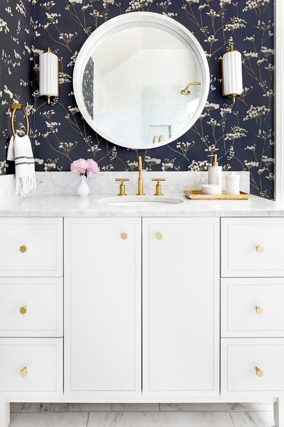 Lindsey Grace Interiors Favorite Powder Bathrooms 2.jpg