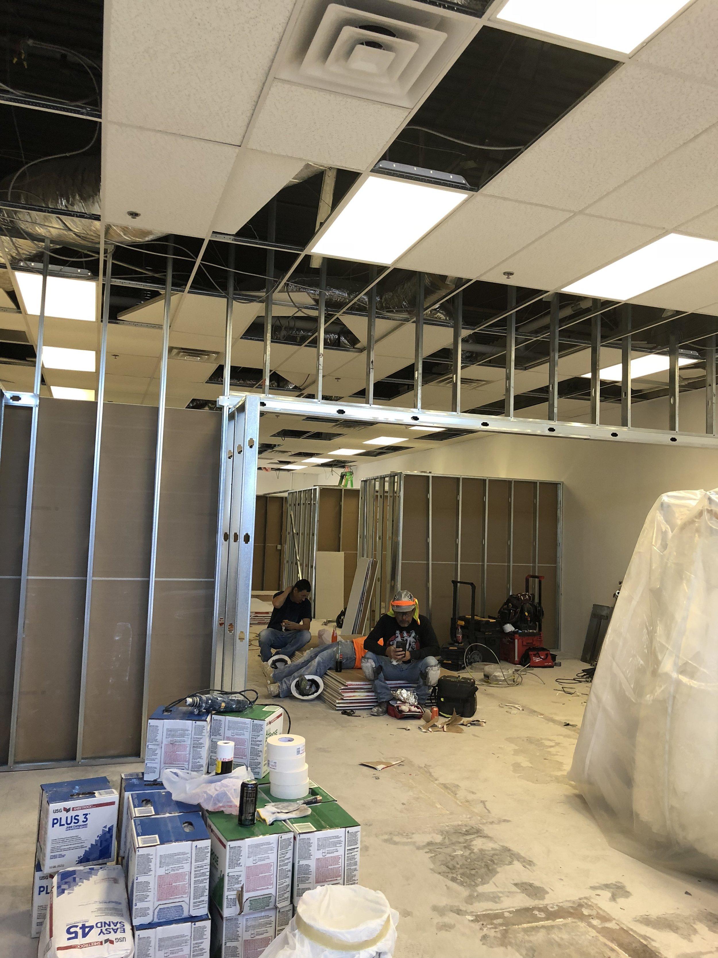 Albuquerque dress shop under construction