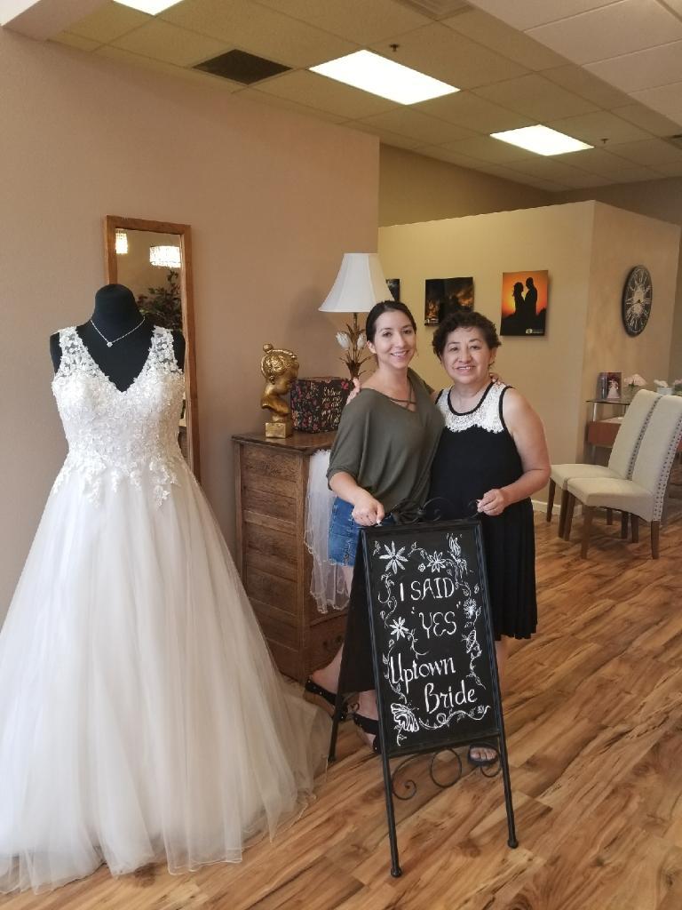 bridal salon bride1.jpg