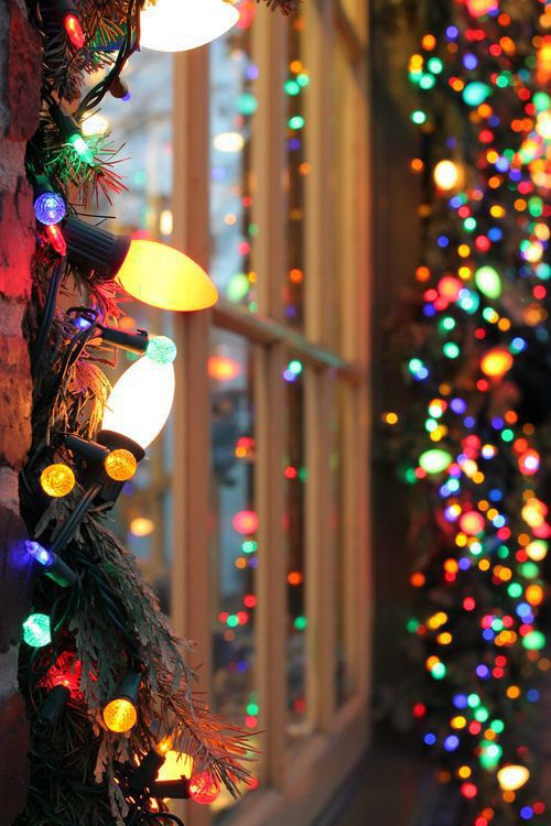 a0433b510552c02a53c54ffca648ad88--christmas-lights-background-cute-christmas-wallpaper.jpg