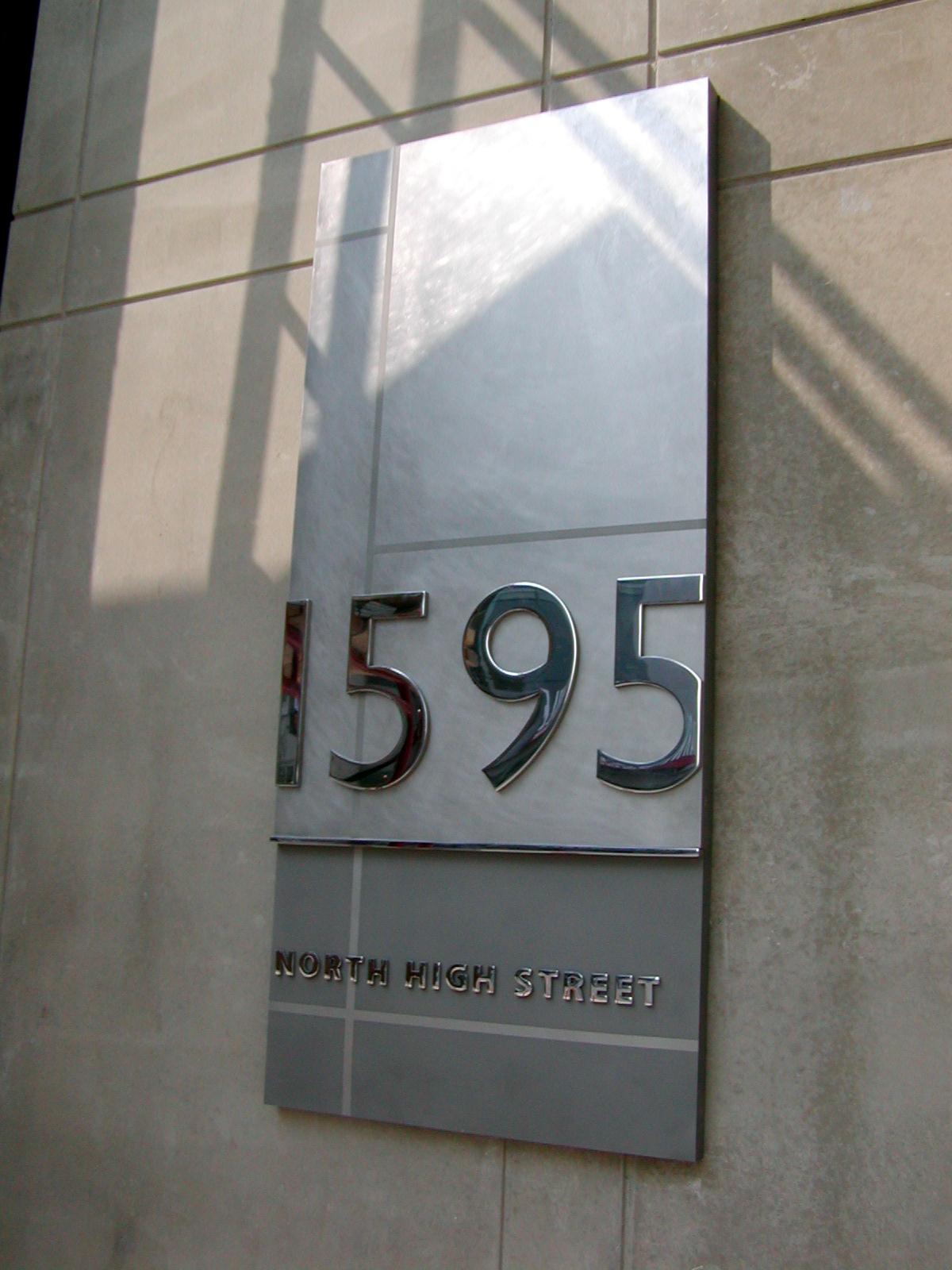 1595-sign.jpg