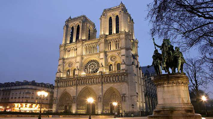 Escape To Notre-Dame De Paris - Enjoy seven days in Chez Emmanuel, a gorgeous two-bedroom home, and experience the stunning view of the Notre Dame Cathedral. Also known as, Our Lady of Paris, this beautiful cathedral is located directly across the street from the home you will call home for the week.