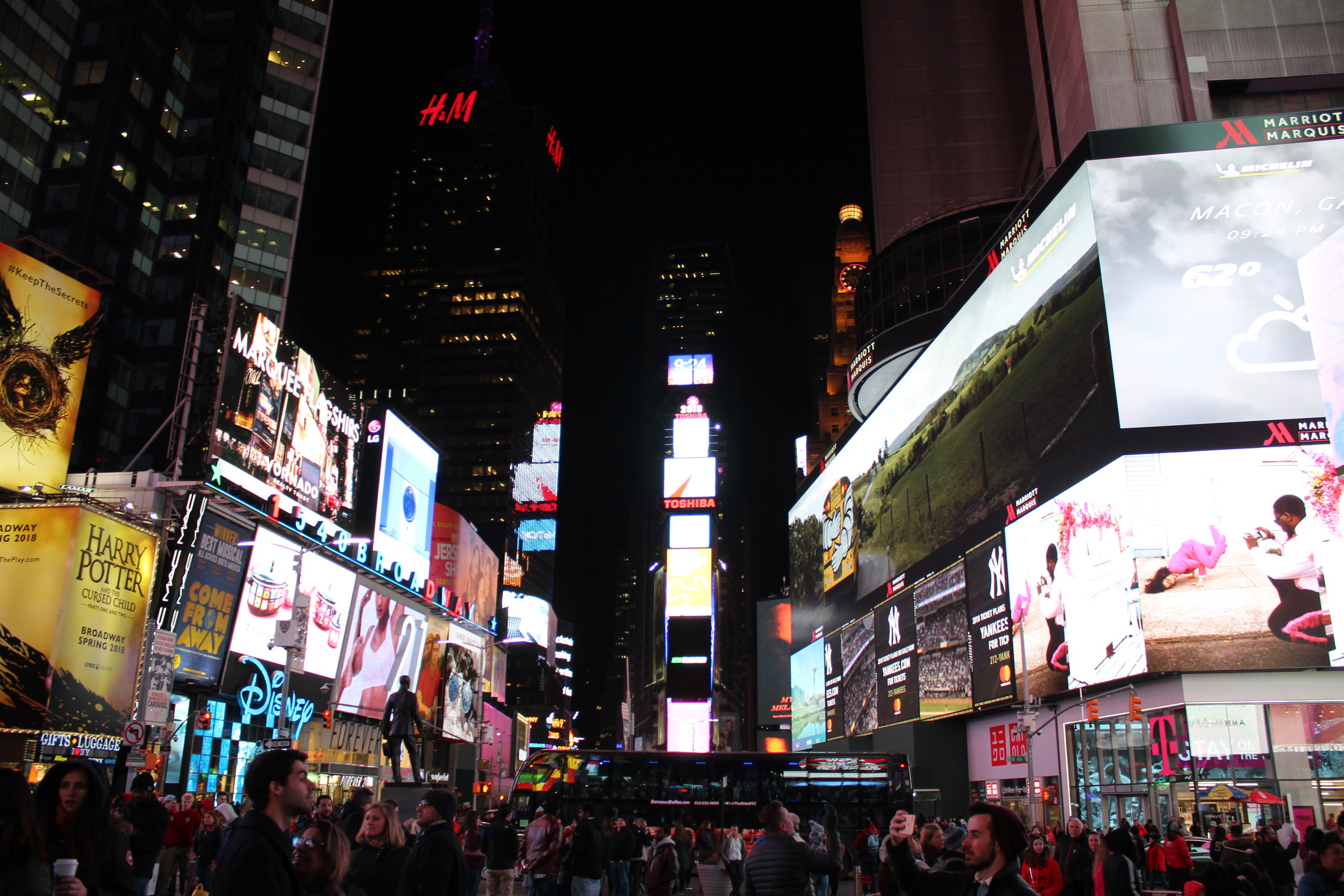 FYI... - Just as an FYI and for future reference, if you've been feeling anxious throughout the day, try to avoid super crowded, loud, brightly lit, and overwhelming tourist attractions.