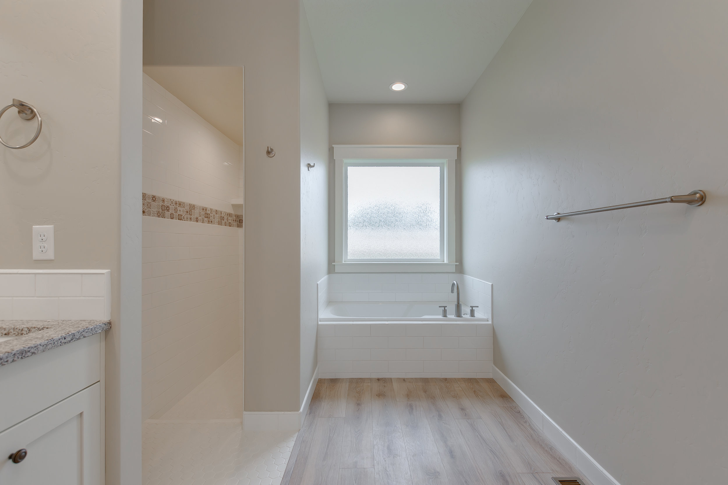29-Master Bathroom.jpg
