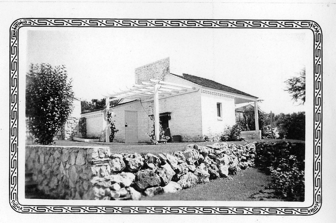 1935cottage.jpg