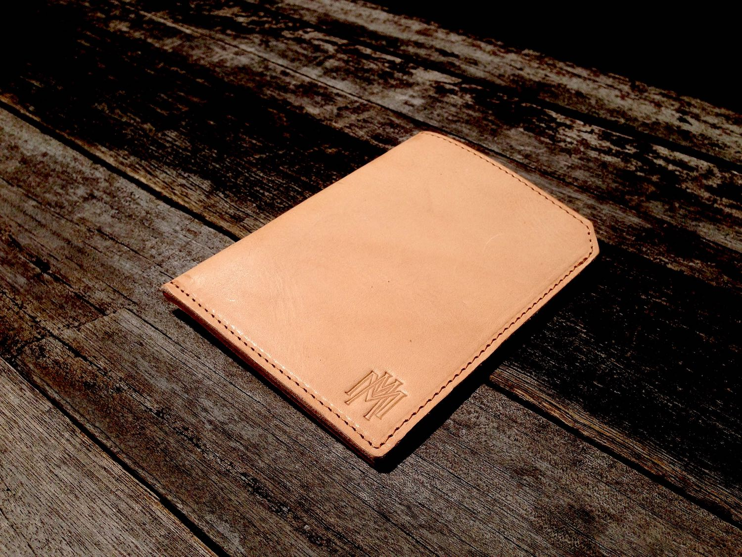 34life-corporate-events-workshops-gifts-products-designs-leather-monogram-personalise-gift-passport-01w.jpg