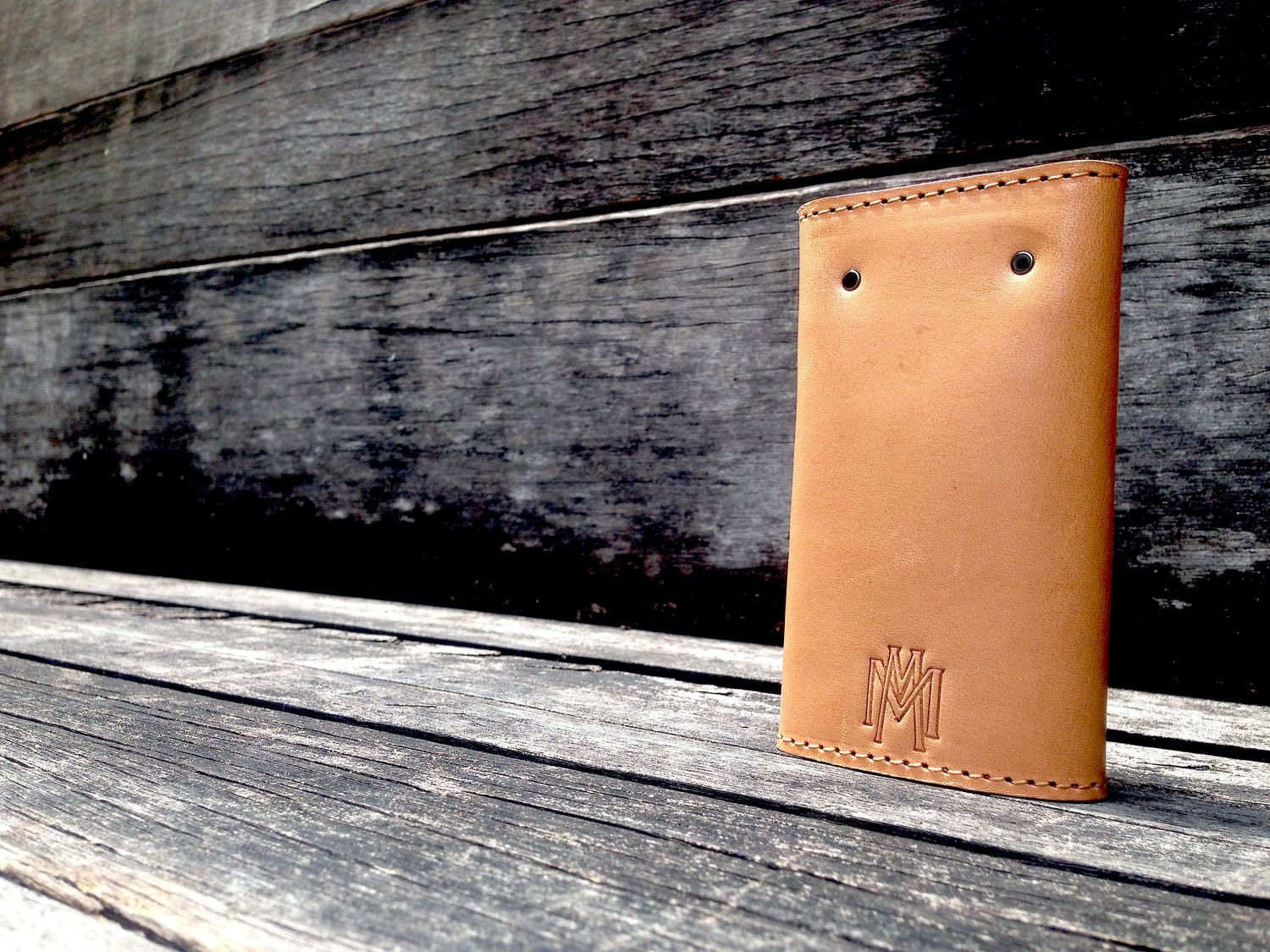 34life-corporate-events-workshops-gifts-products-designs-leather-monogram-personalise-keyholder-01w.jpg