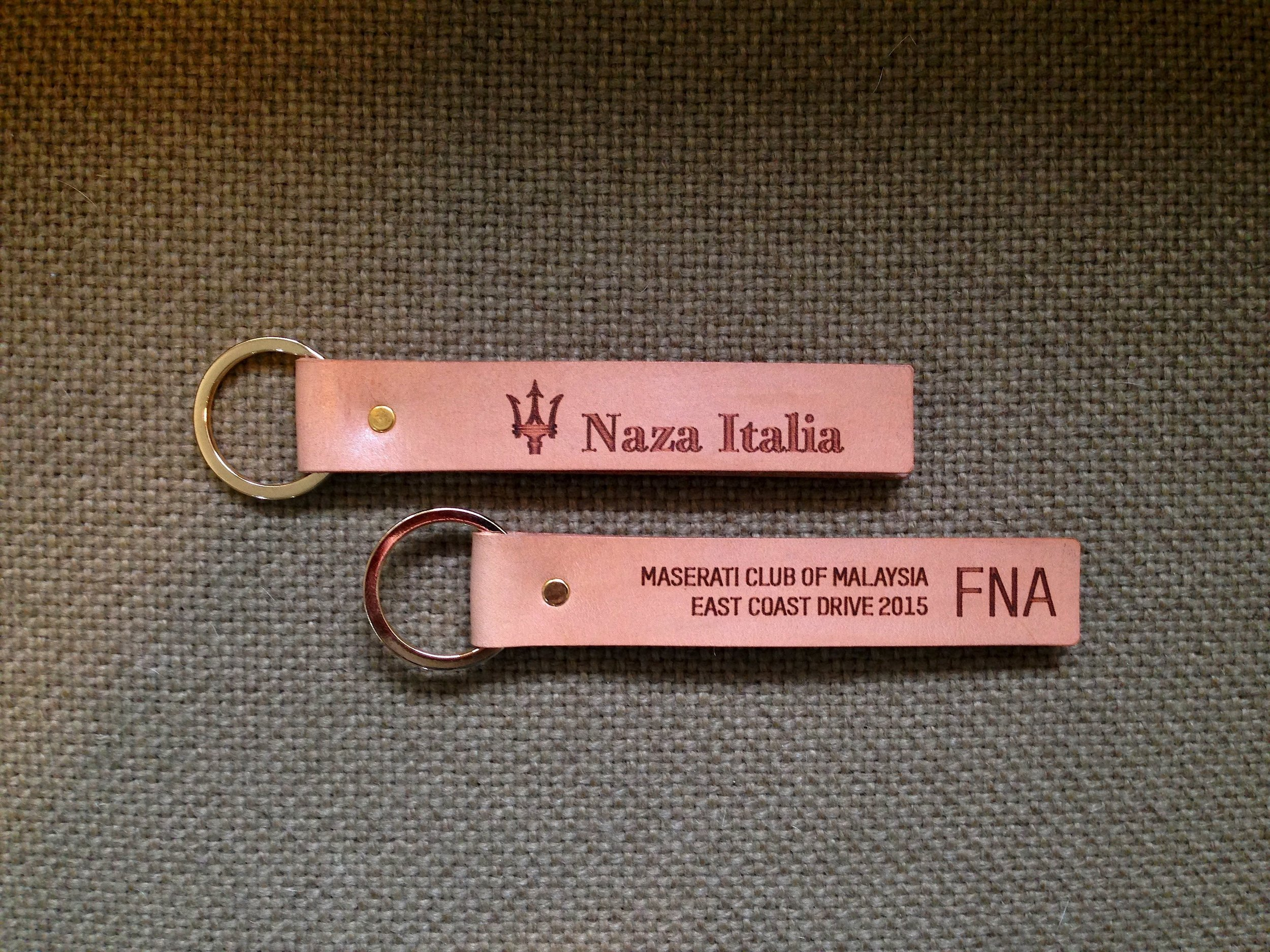 34life-corporate-events-workshops-gifts-products-designs-calfskin-leather-key-holder-ring-chain-naza-maserati-personalised-doorgift-02w.jpg