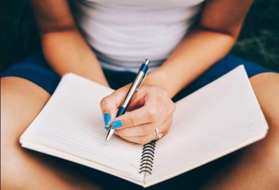 keeping a journal is a healthy habit