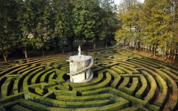 walk a labyrinth to uncover deep issues