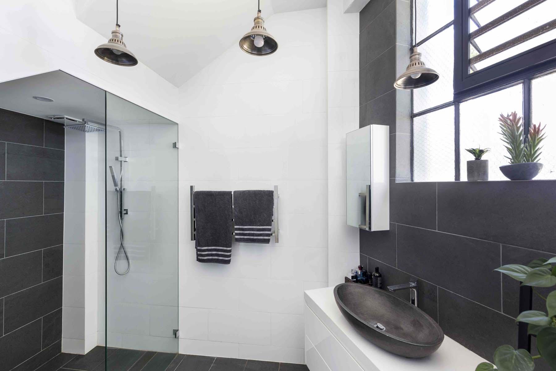 Studio bathroom copy.jpg