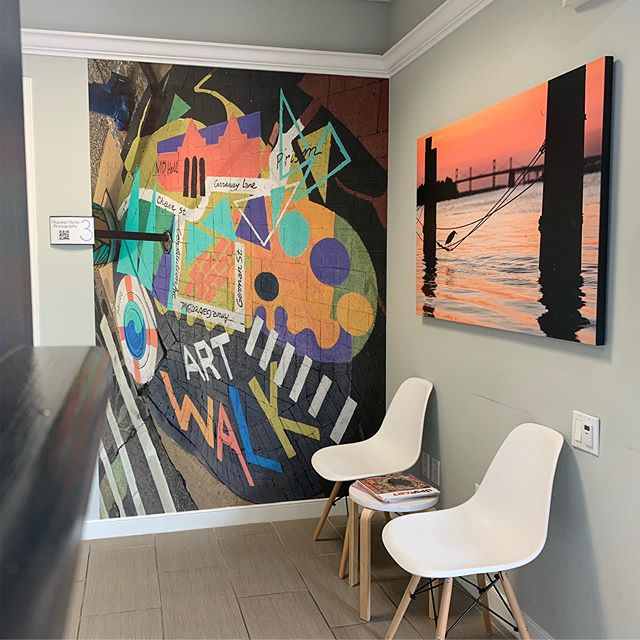What started as an office building has transformed into a thriving collection of artists and creatives. Tomorrow we're celebrating @circlecreativesannapolis and we hope you'll join us. Mural by @sallycomport of the @annapolisartwalk crosswalk project on west street. Canvas by @jennifercaseyphotography who is also co-founder of @prismannapolis.