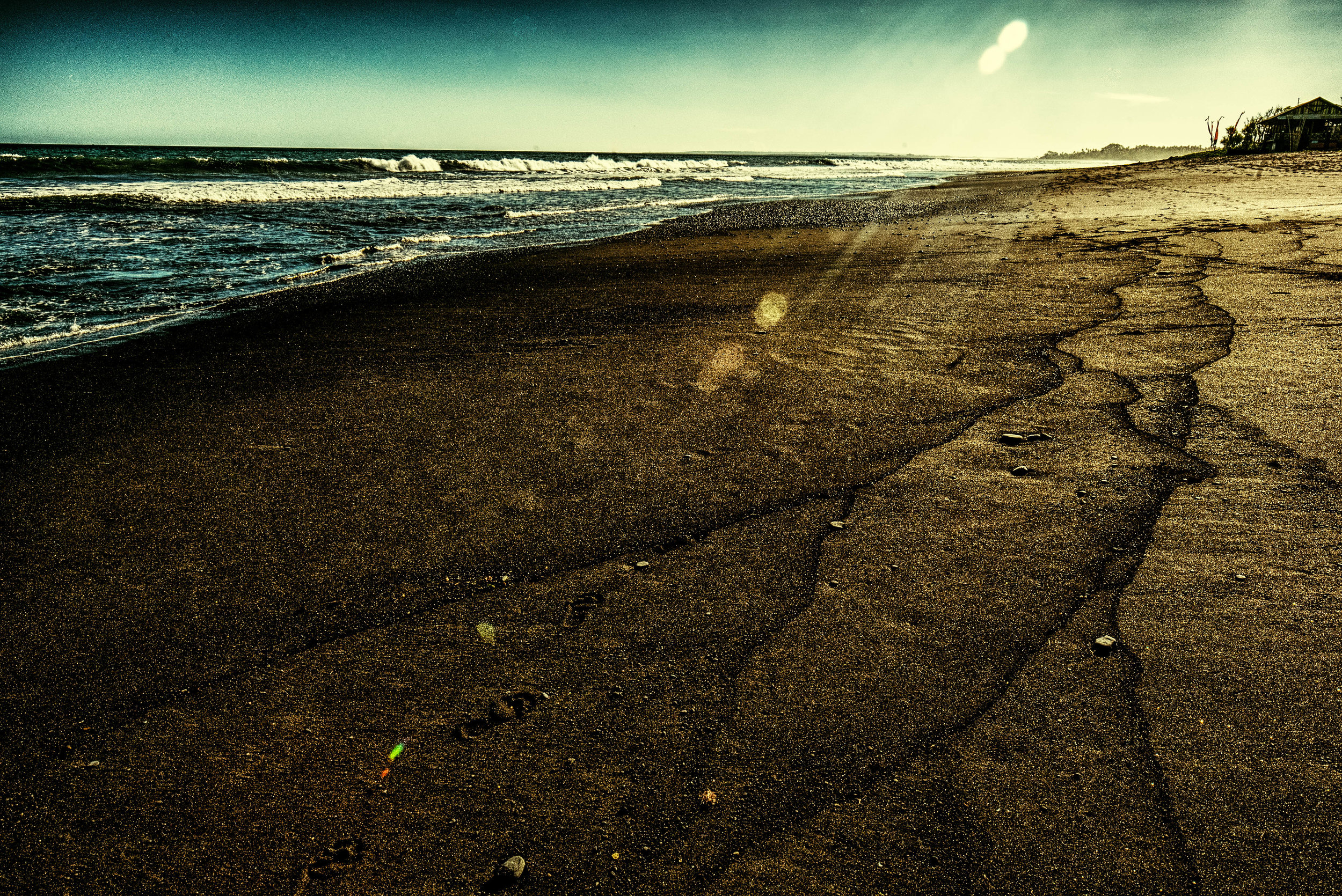 Bali Black sand beach crackin (1 of 1).jpg