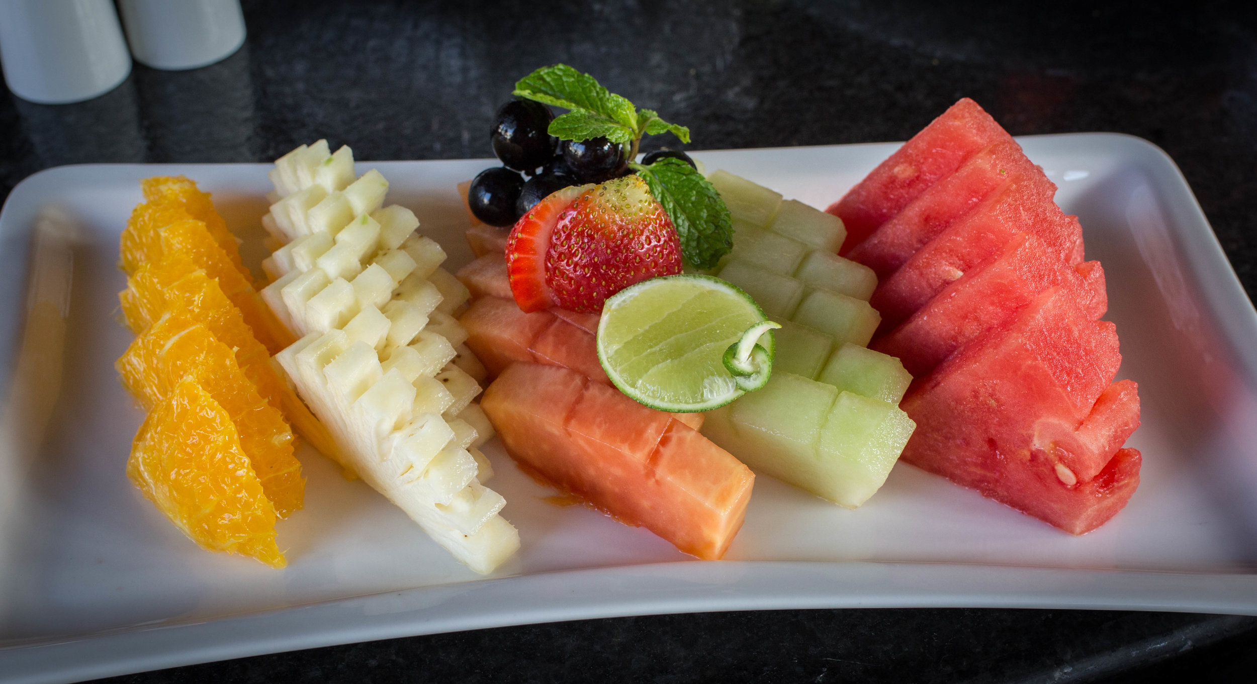 Fruit plate Mantra 2 (1 of 1).jpg
