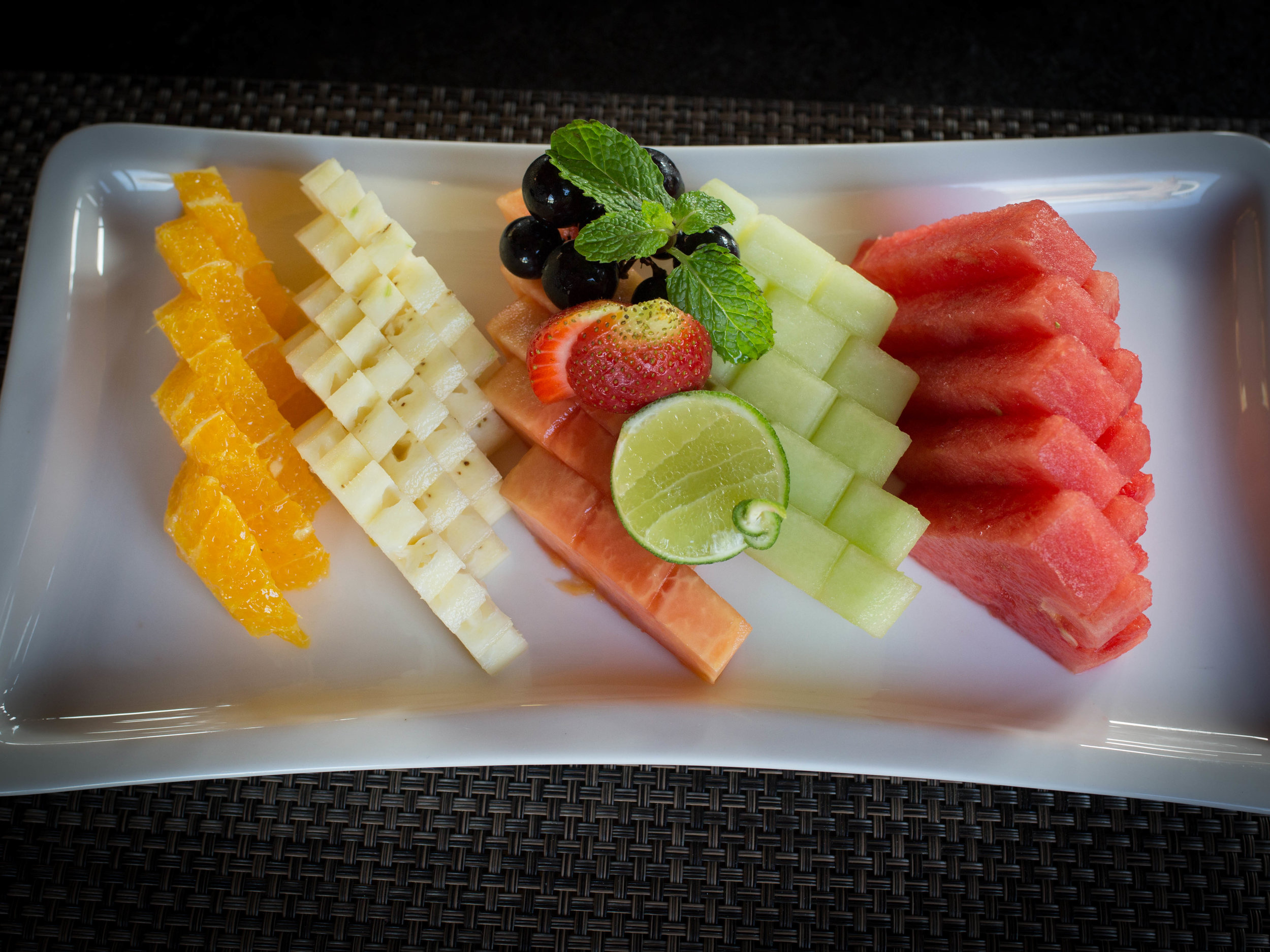 Fruit plate Mantra (1 of 1).jpg
