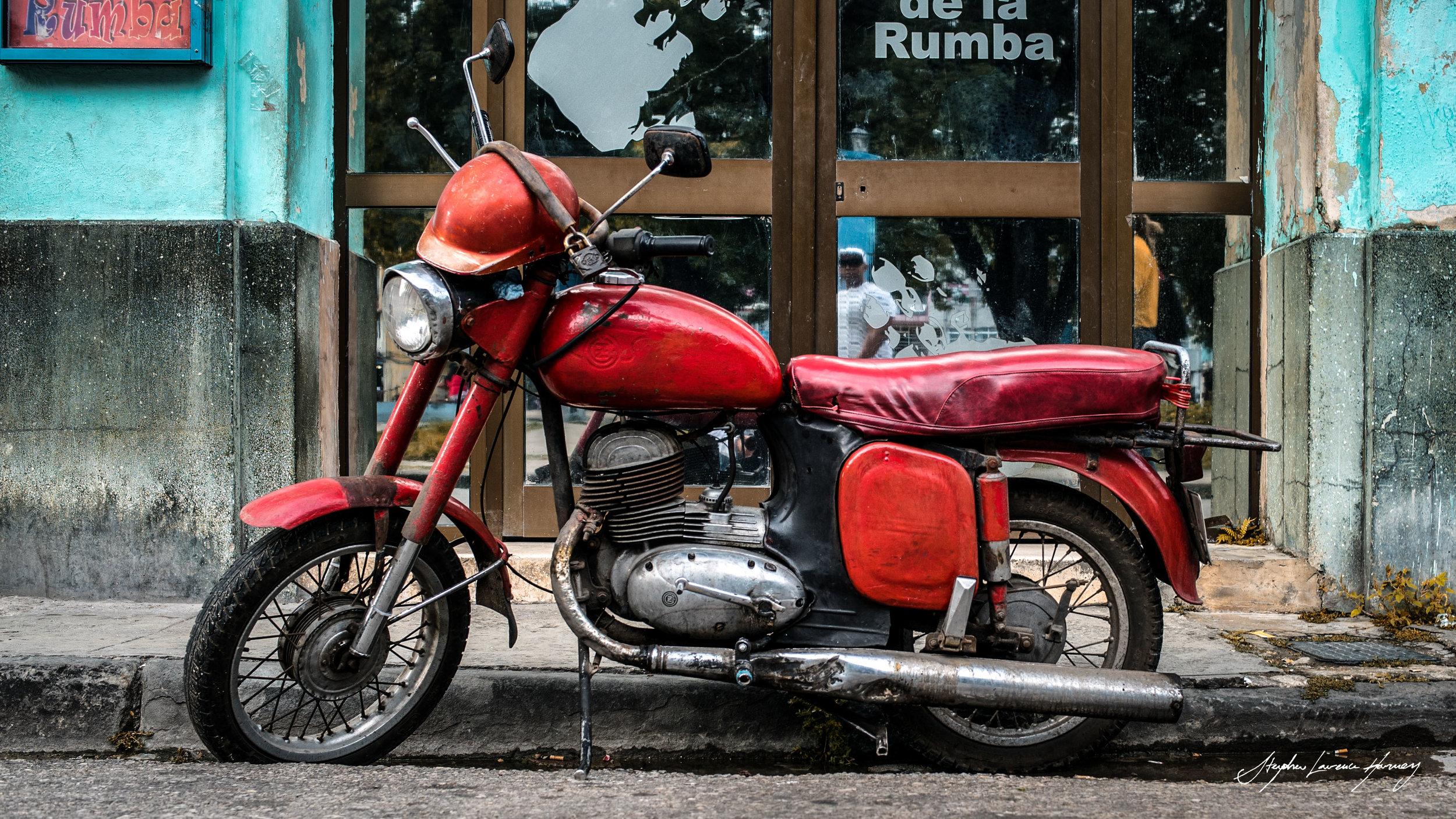 CUBA motorbike red (1 of 1).jpg