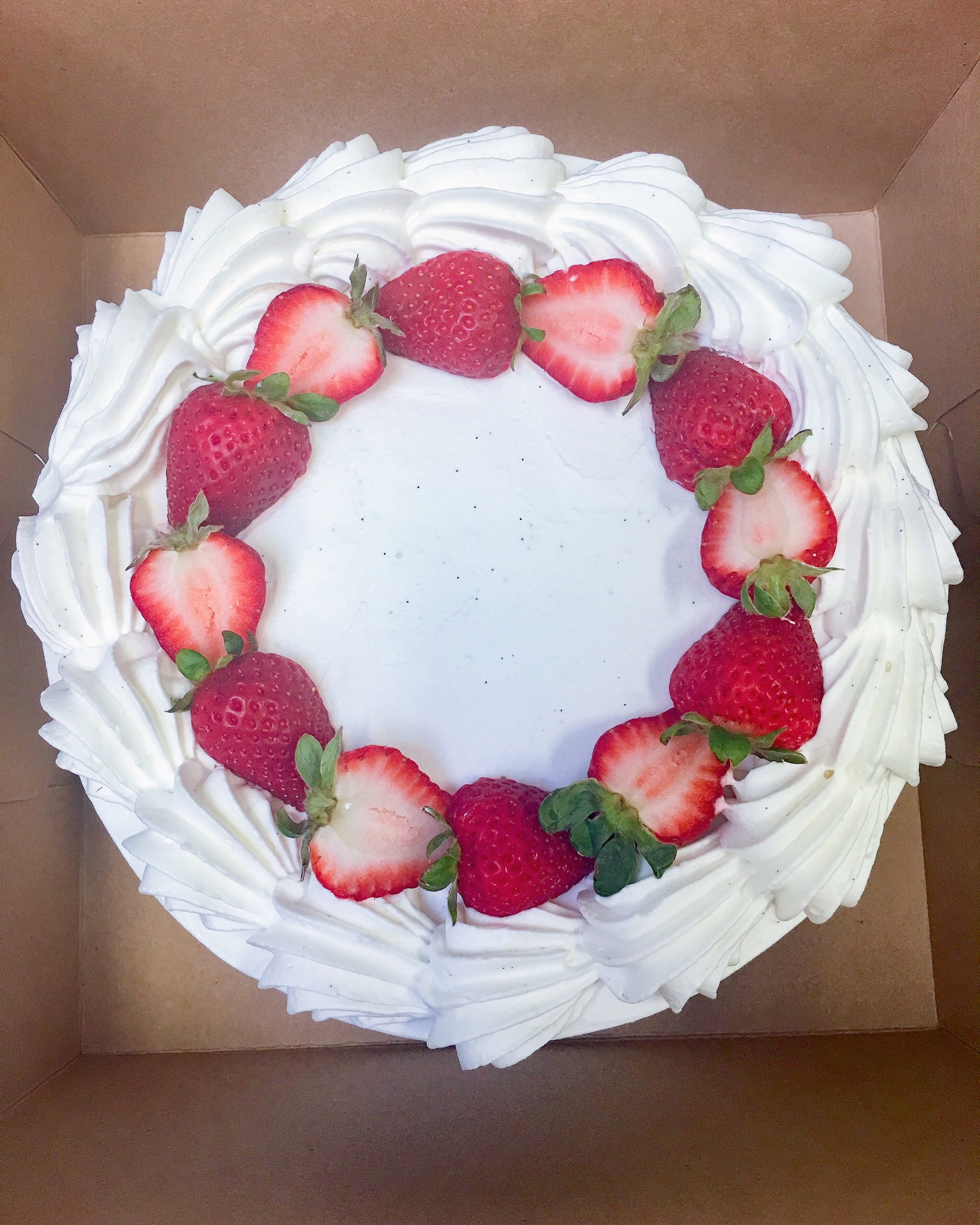 vegan strawberry shortcake cake