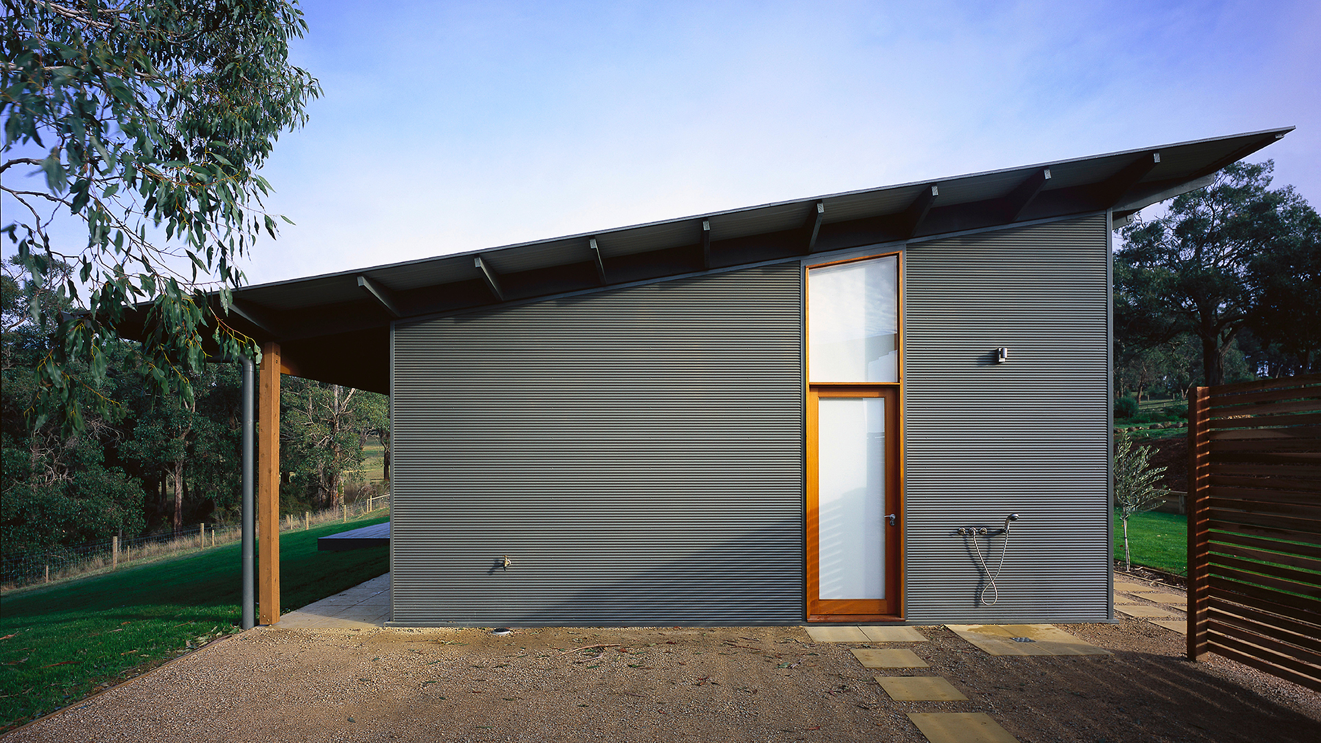 Main Ridge Farmhouse91920 x 1080.jpg