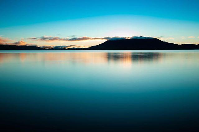 Clear Lake at Sunrise #NorCal #5dmkiv #canon #placestogo #MtKonocti #landscapephotography #bluehour
