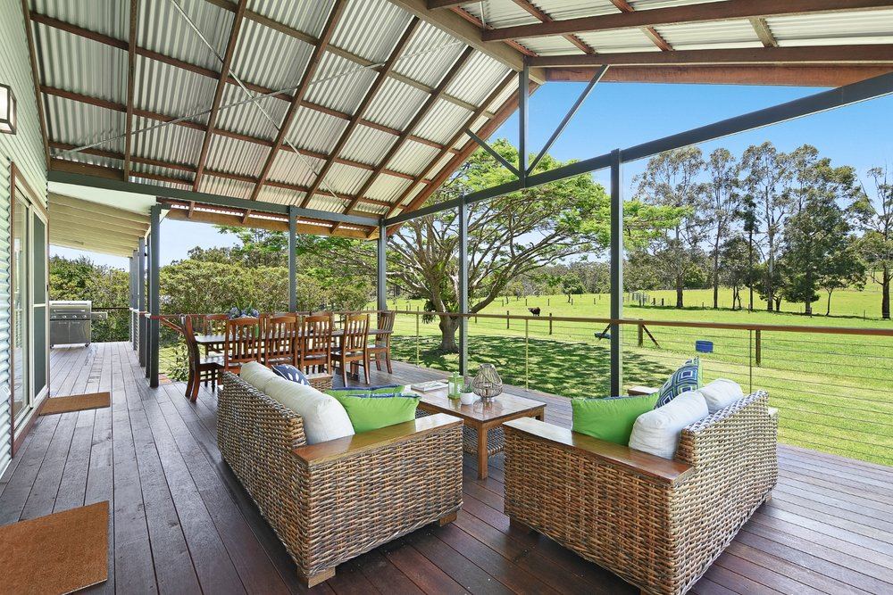 Spacious+deck+with+lovely+outlook.jpg