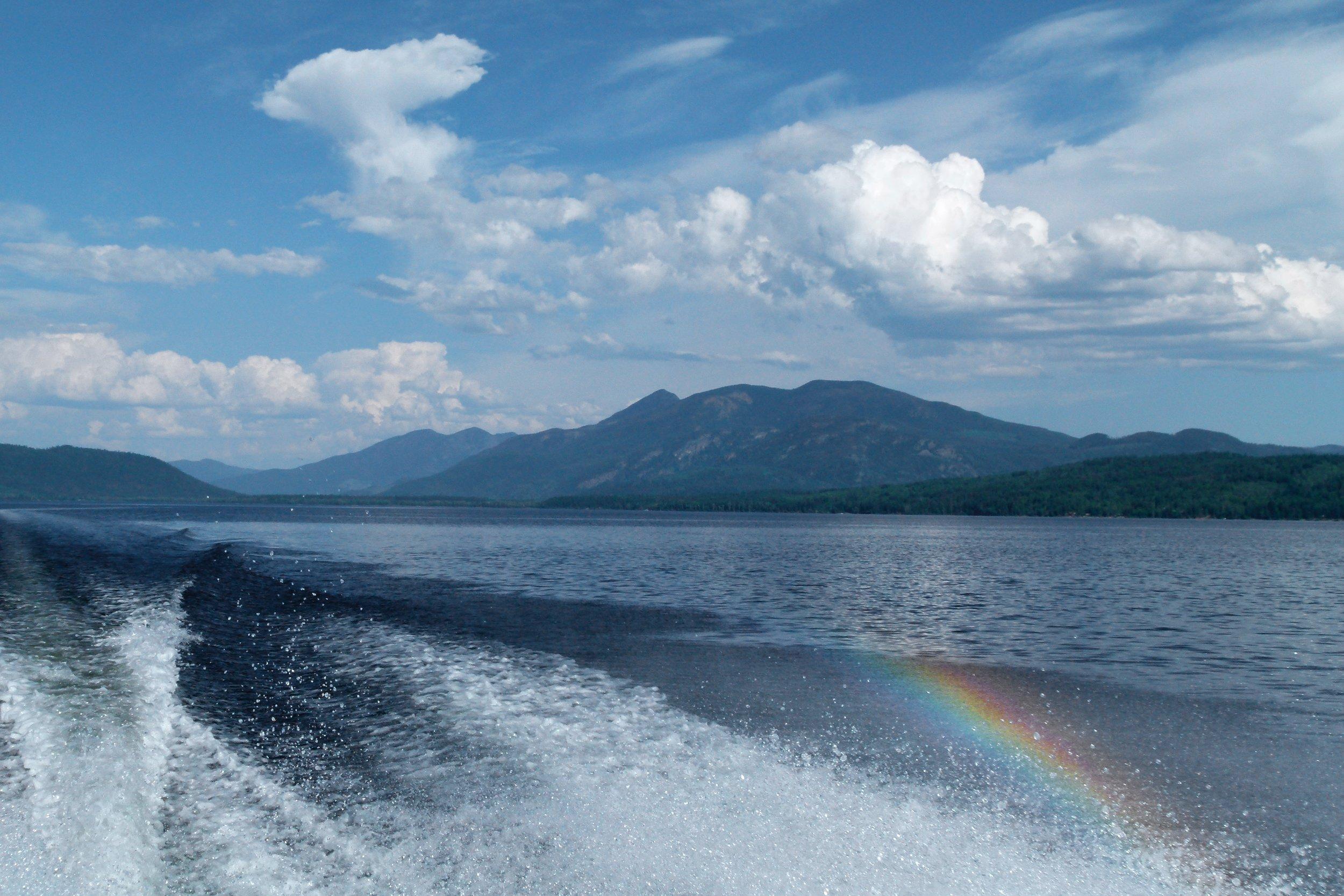 Båtar - roddbåt till transportbåt