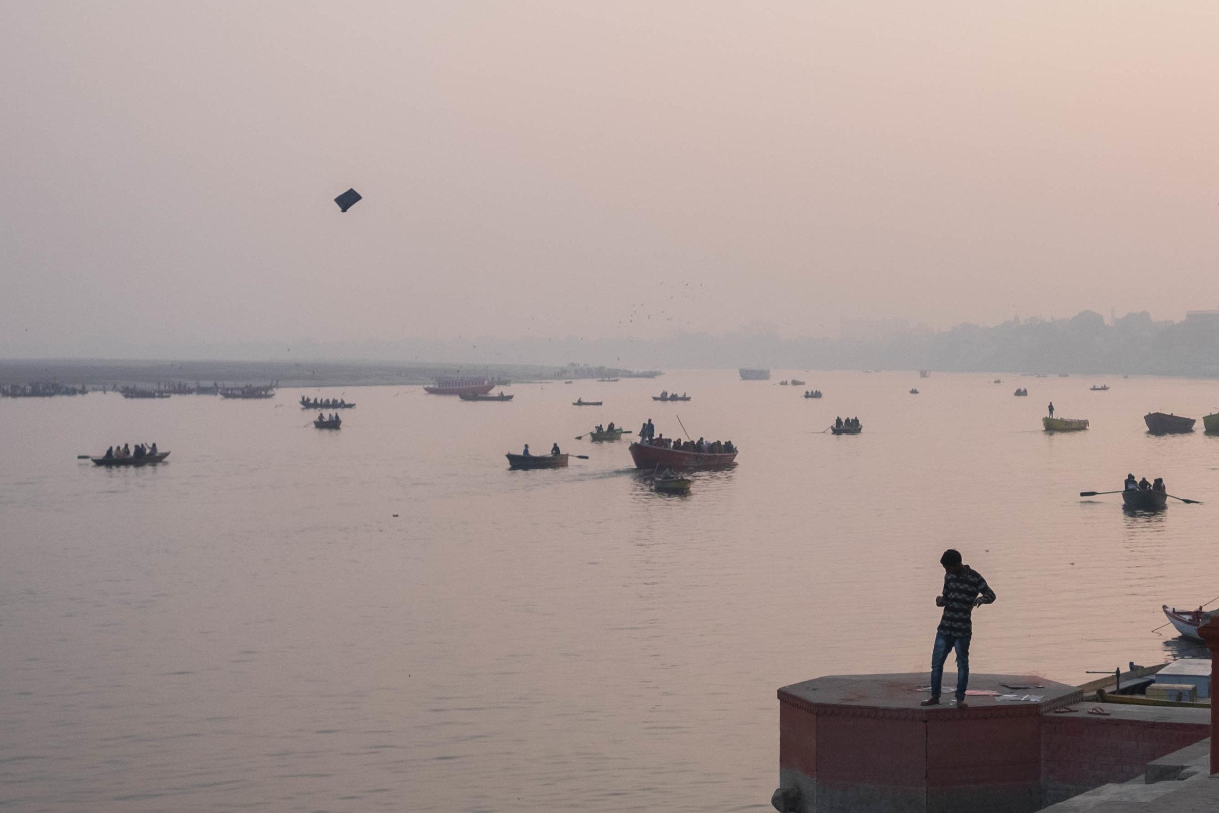 Varanasi am Abend