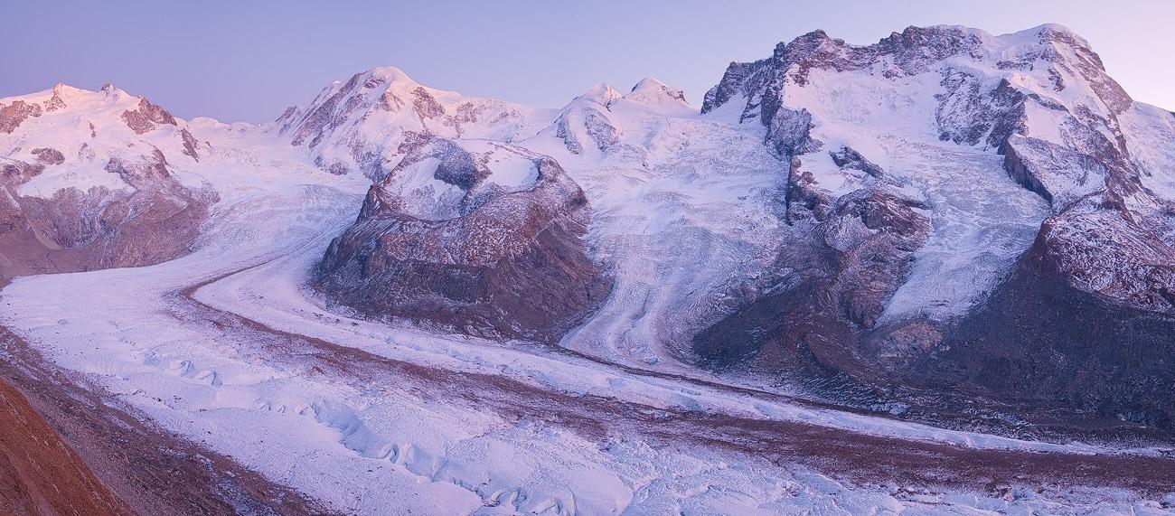 Gornergletscher und Gipfelpanorama (Monte Rosa bis Breithorn), Schweiz.