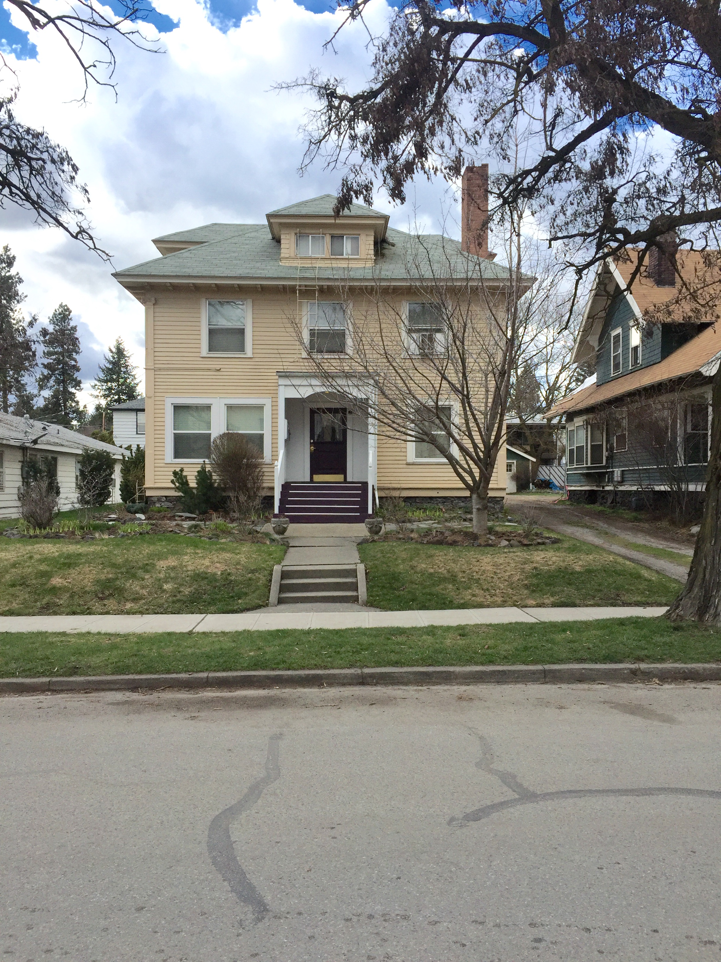 5 Unit Apartment in Browne's Addition                   Sale: $265,000