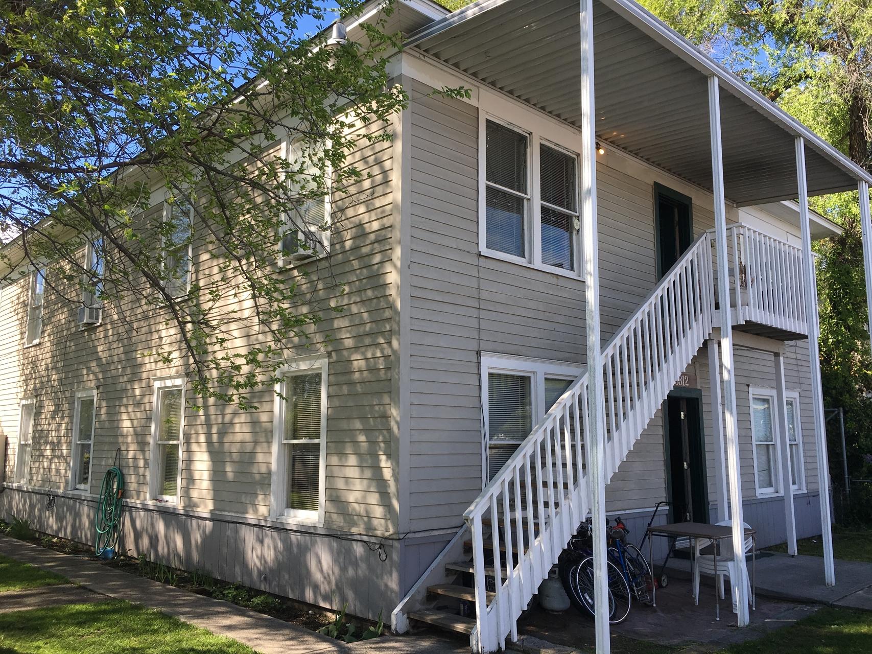 8 Unit Apartment in East Spokane  Sale: $265,000