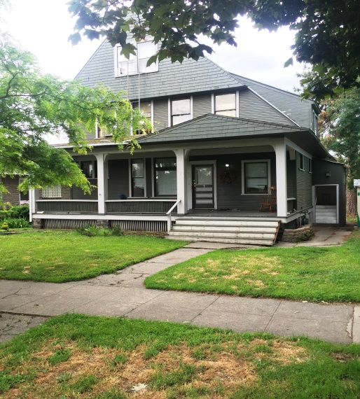 6 Unit Apartment in Browne's Addition                   Sale: $145,000