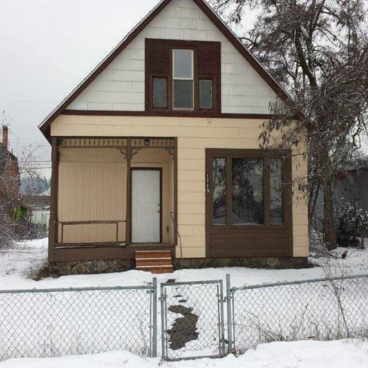 House in East Central  Sale: 80,000