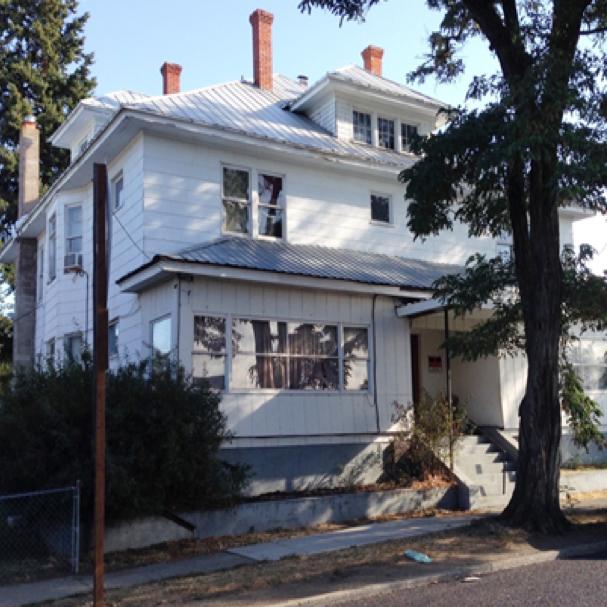 7 Unit Apartment in West Spokane  Sale: $210,000