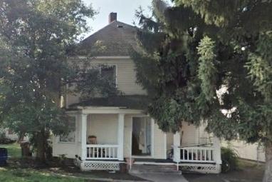 Fourplex in Hillyard  Sale: $129,000