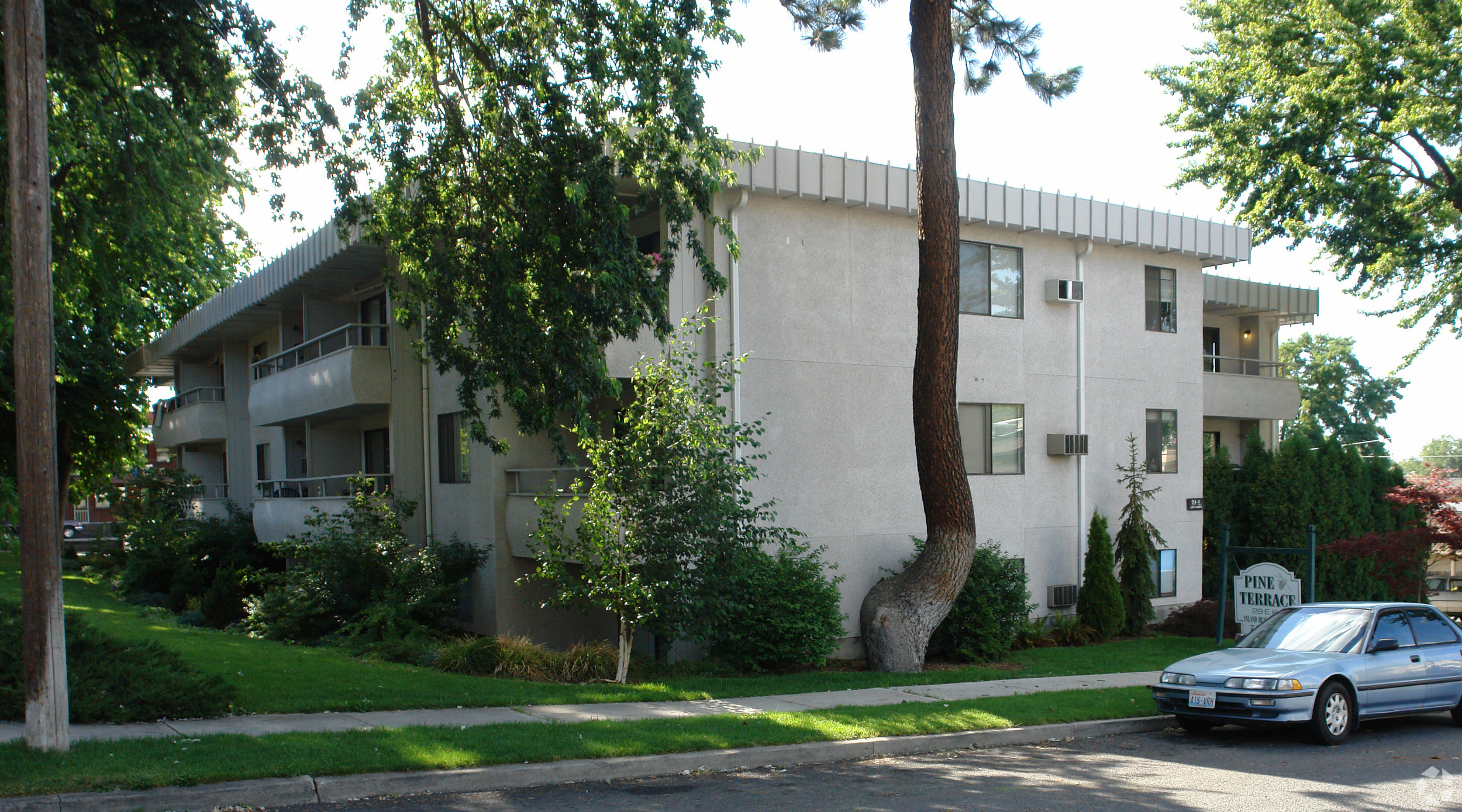 20 Unit Apartment in the South Hill Medical District  Sale: $1,225,000