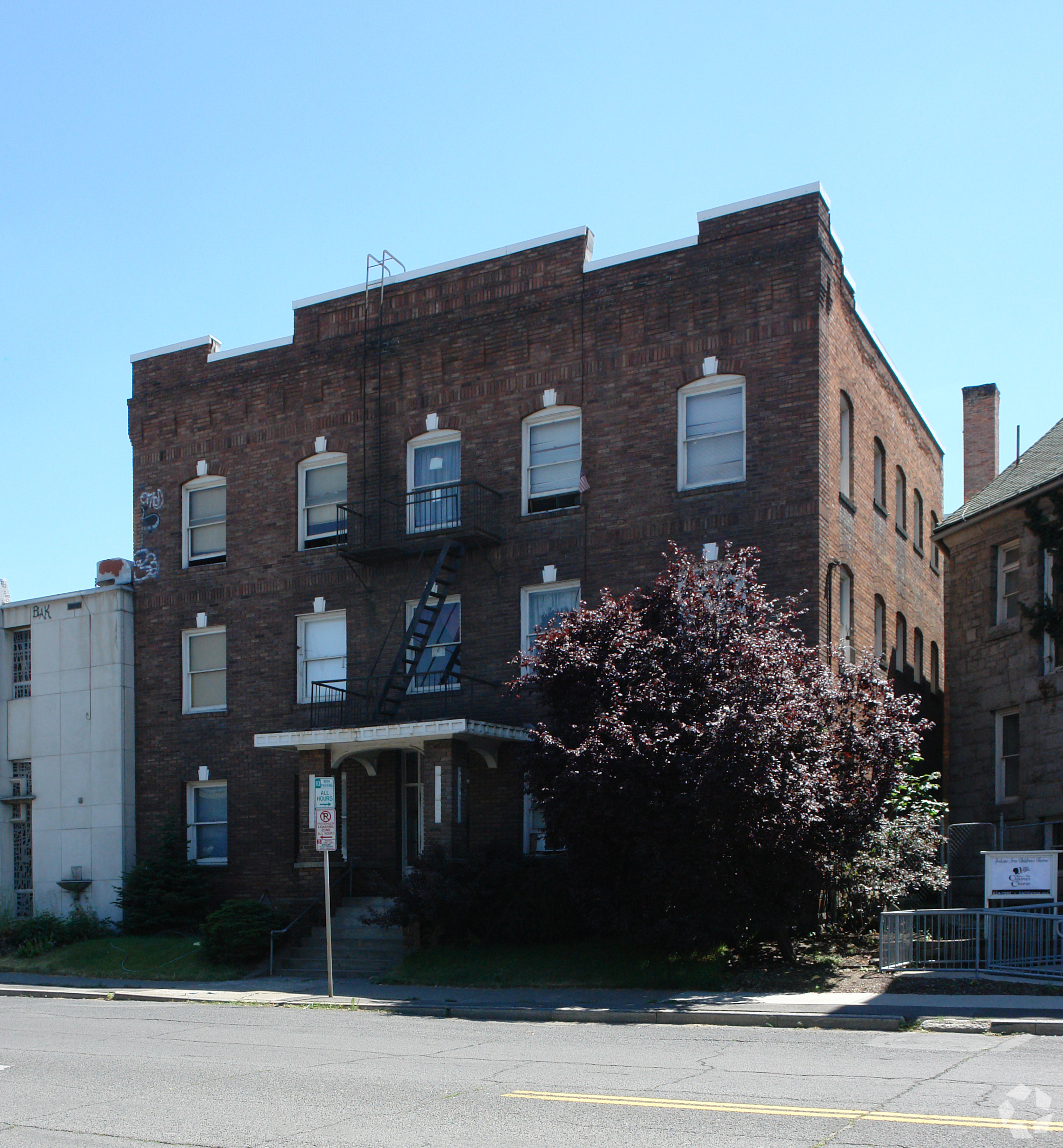 23 Unit Apartment in the Medical District   Sale: $1,280,000