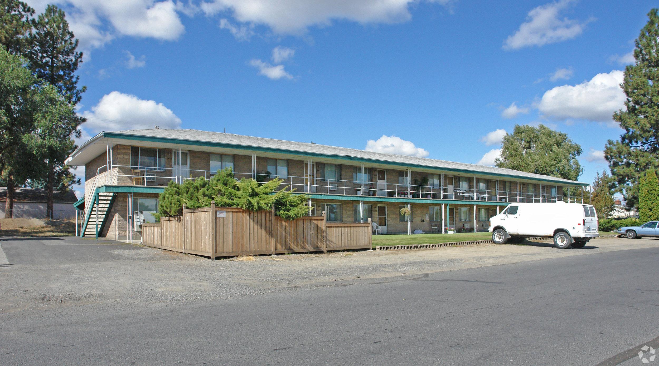14 Unit Apartment in North Spokane  Sale: $794,000
