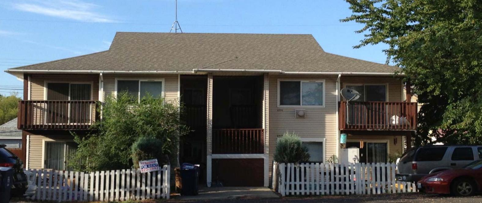 Fourplex in Hillyard  Sale: $255,000