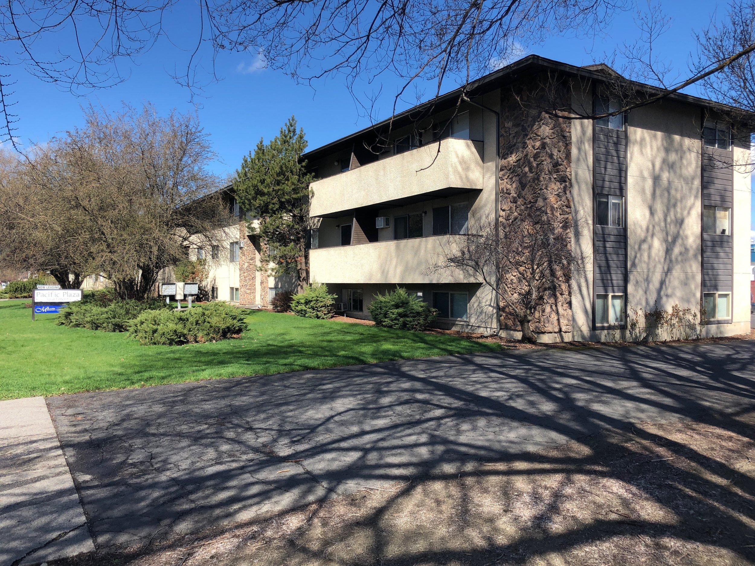 28 Unit Apartment Complex in East Spokane   Sale: $1,800,000