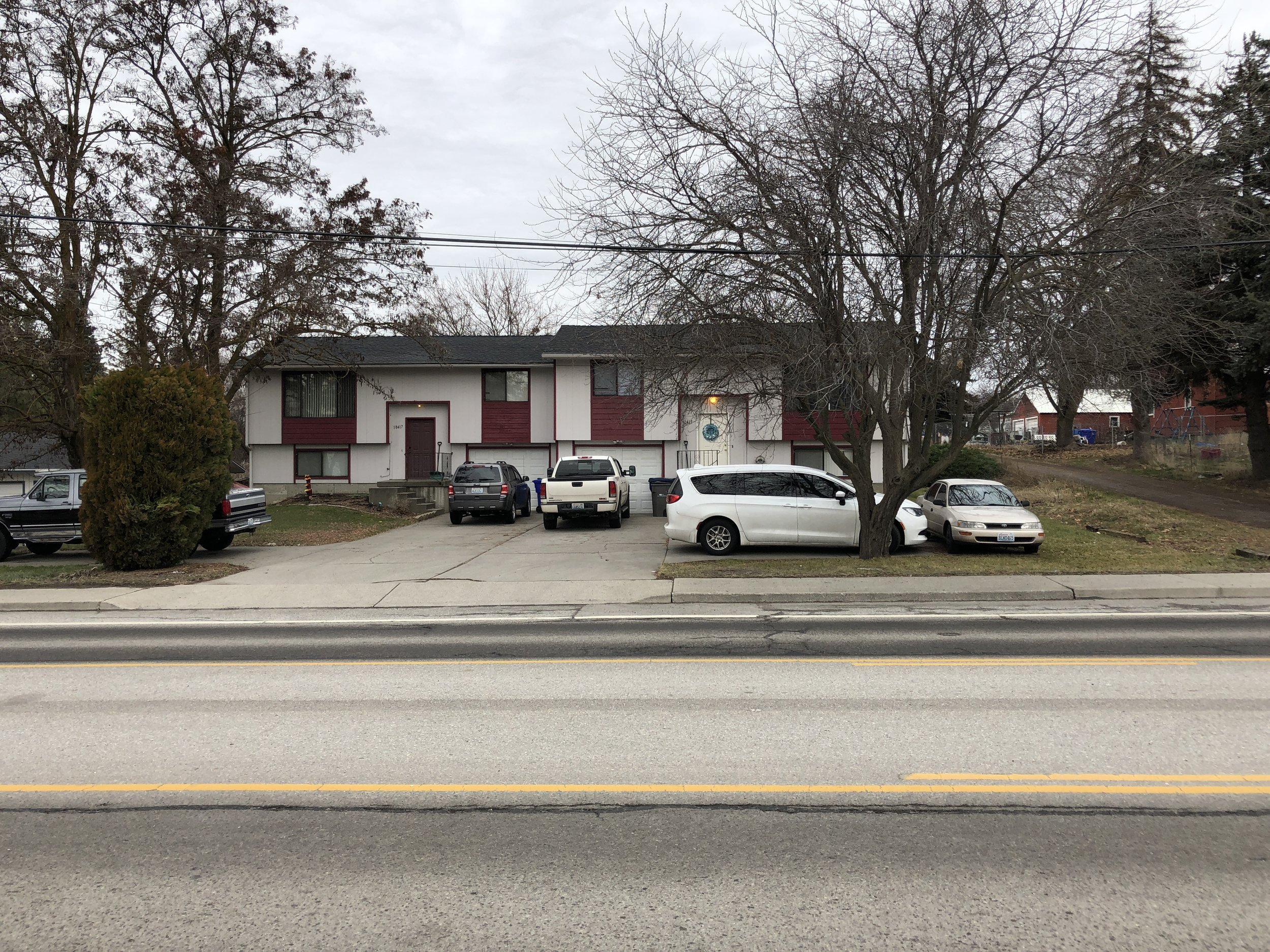 Duplex in Spokane Valley      Sale: $230,000