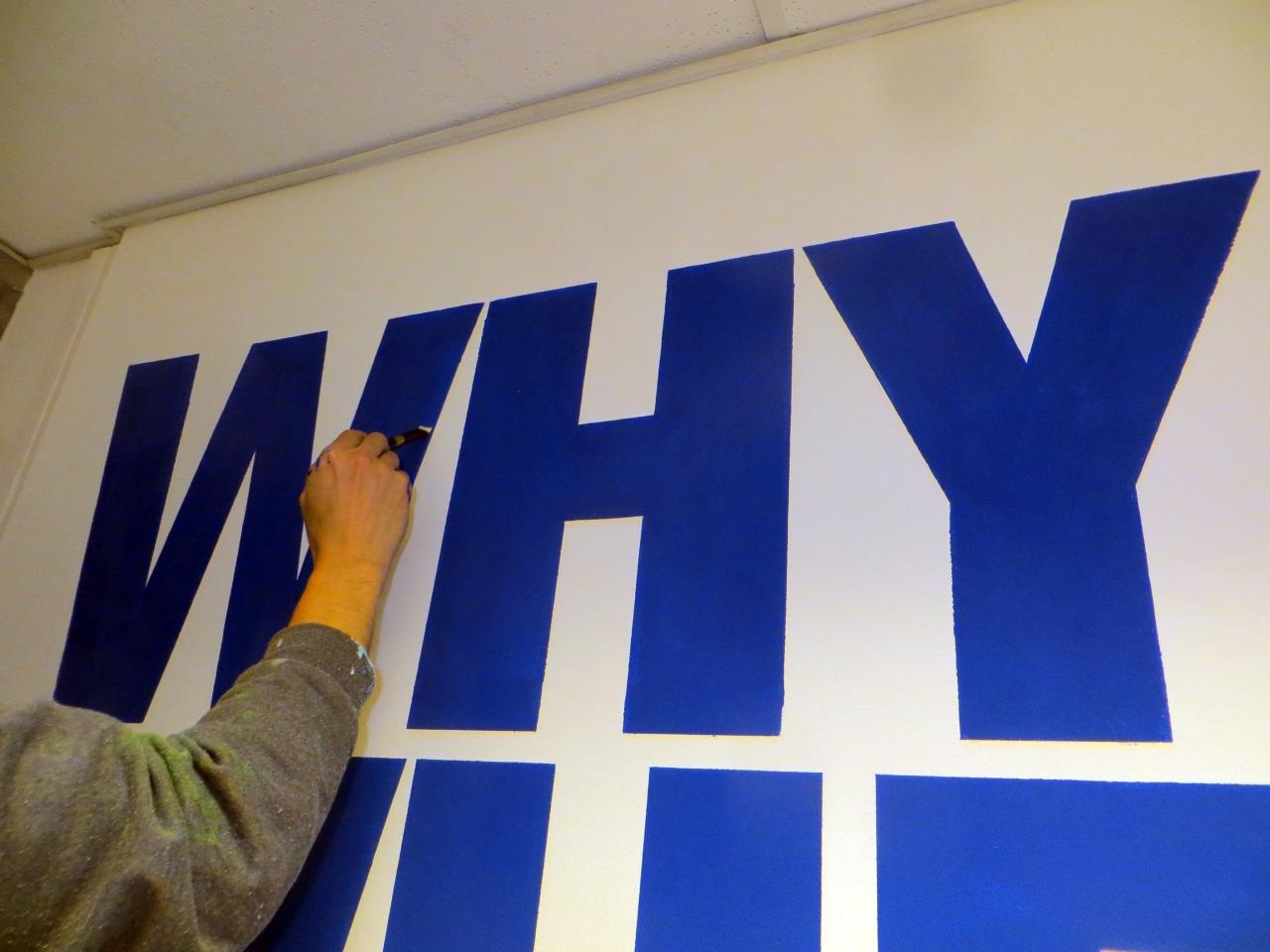 Dekorációs festés-Betűfestés beltéri üzlethelységbe