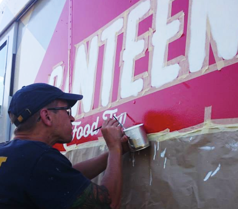 vertigo murals címfestés food truck.png