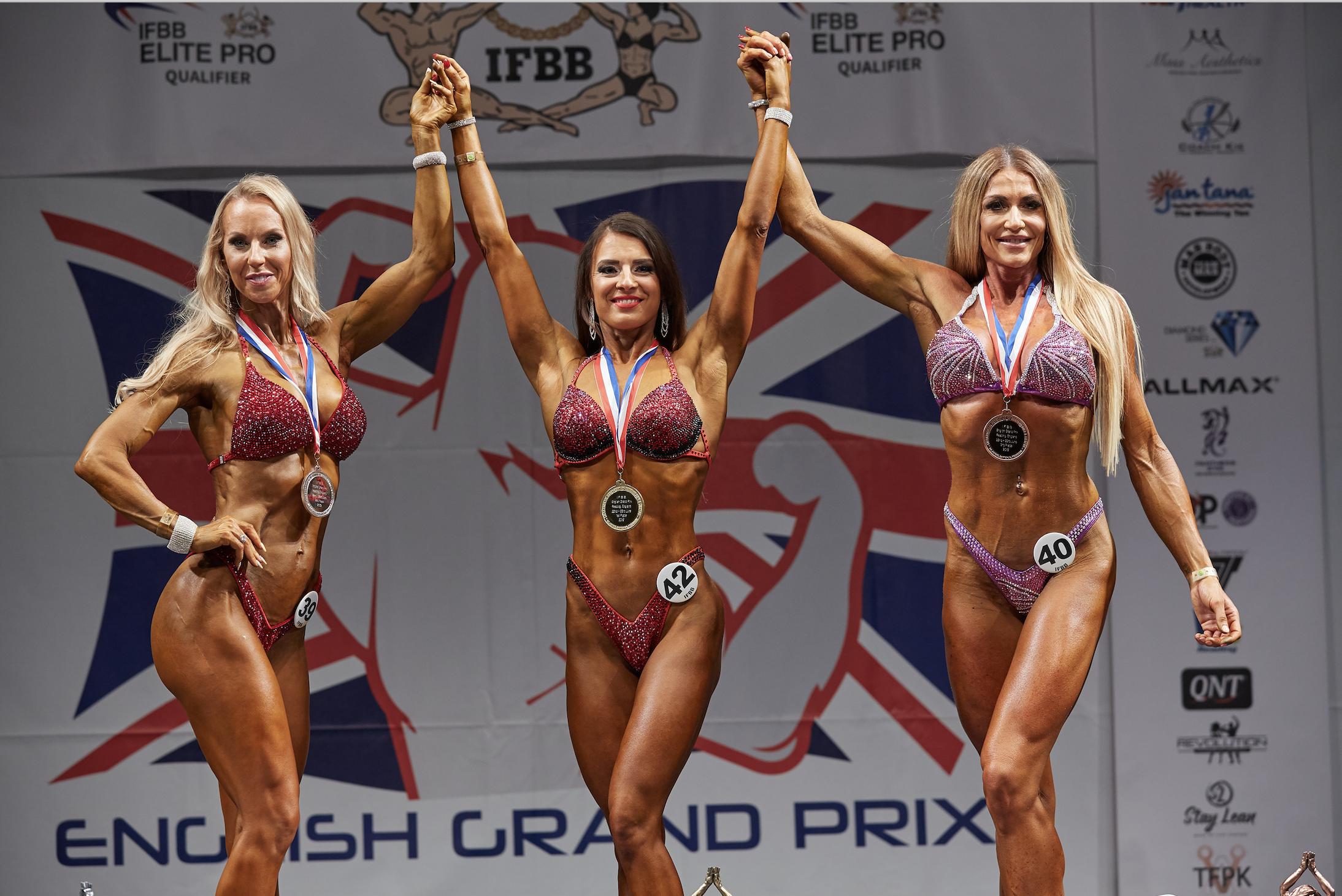 Masters bikini fitness over 163 cm: 1 Katerina Jakubcova (centre) 2 Becky Goodall (left) 3 Yvette Geary.