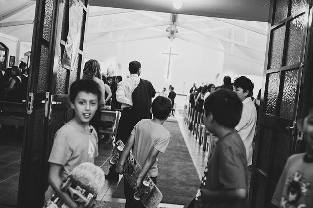 Boys will be boys ⠀⠀⠀⠀⠀⠀⠀⠀⠀ •⠀⠀⠀⠀⠀⠀⠀⠀⠀ •⠀⠀⠀⠀⠀⠀⠀⠀⠀ •⠀⠀⠀⠀⠀⠀⠀⠀⠀ •⠀⠀⠀⠀⠀⠀⠀⠀⠀ •⠀⠀⠀⠀⠀⠀⠀⠀⠀ #wedding #boda #matrimonio #bigmoments #bride #novia #nikon #d750 #santiago #vsco #vscoweddings #vscogrid #vscophile #vscodaily #vscogram #vscofilm #visualsgang #vscobest #makeportraits #letsgosomewhere #conceadicto #santiagoadicto #fearlessphotographers #fineart #camilohernandez #yourockphotographers  #junebugweddings #wedphoto #heywildweddings