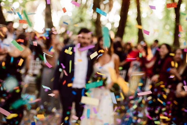 💥💥💥La celebración luego del rito 💥💥💥⠀⠀⠀⠀⠀⠀⠀⠀⠀ •⠀⠀⠀⠀⠀⠀⠀⠀⠀ •⠀⠀⠀⠀⠀⠀⠀⠀⠀ •⠀⠀⠀⠀⠀⠀⠀⠀⠀ •⠀⠀⠀⠀⠀⠀⠀⠀⠀ •⠀⠀⠀⠀⠀⠀⠀⠀⠀ #wedding #boda #matrimonio #bigmoments #bride #novia #nikon #d750 #santiago #vsco #vscoweddings #vscogrid #vscophile #vscodaily #vscogram #vscofilm #visualsgang #vscobest #makeportraits #letsgosomewhere #conceadicto #santiagoadicto #fearlessphotographers #fineart #camilohernandez #yourockphotographers  #junebugweddings #wedphoto #heywildweddings