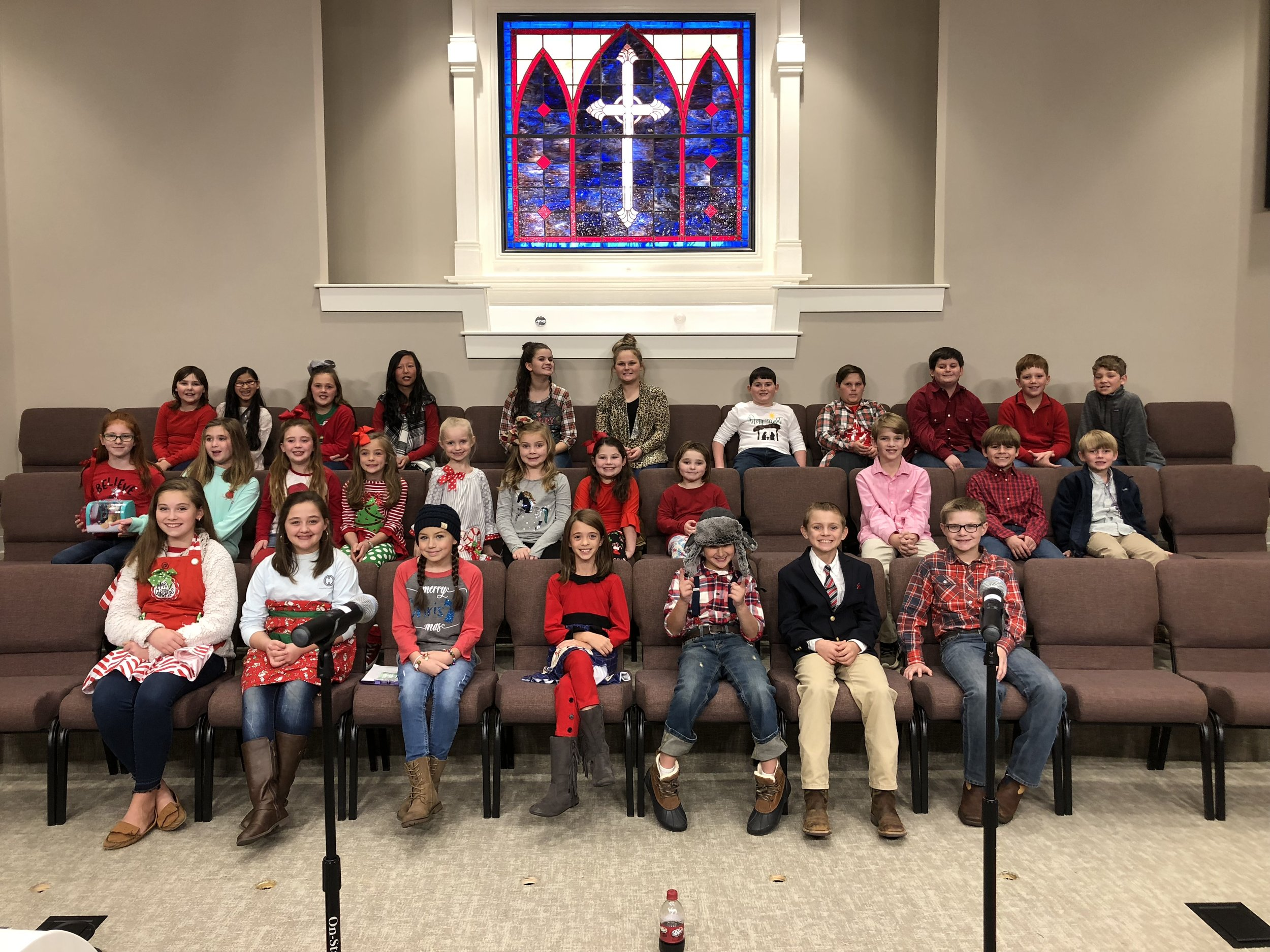 We help kids learn to be lifelong worshippers and to minister to others through song. - Rehearsals are held on Wednesdays at 6:15 PM during the months of August - December.
