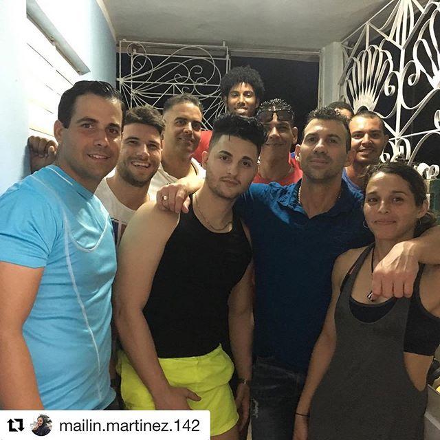 #Repost @mailin.martinez.142 with @get_repost ・・・ Muy contentos de tener al maestro con nosotros de nuevo la verdad que lo extrañamos mucho y nunca queremos que se vaya,ya son muchos años aprendiendo a su lado,ahora a entrenar y aprender más de él esperamos al sensei Orlando y Randy para estar más completo.El Club ARROYO de Cuba está contento y de fiesta. Ossssxxxxxx