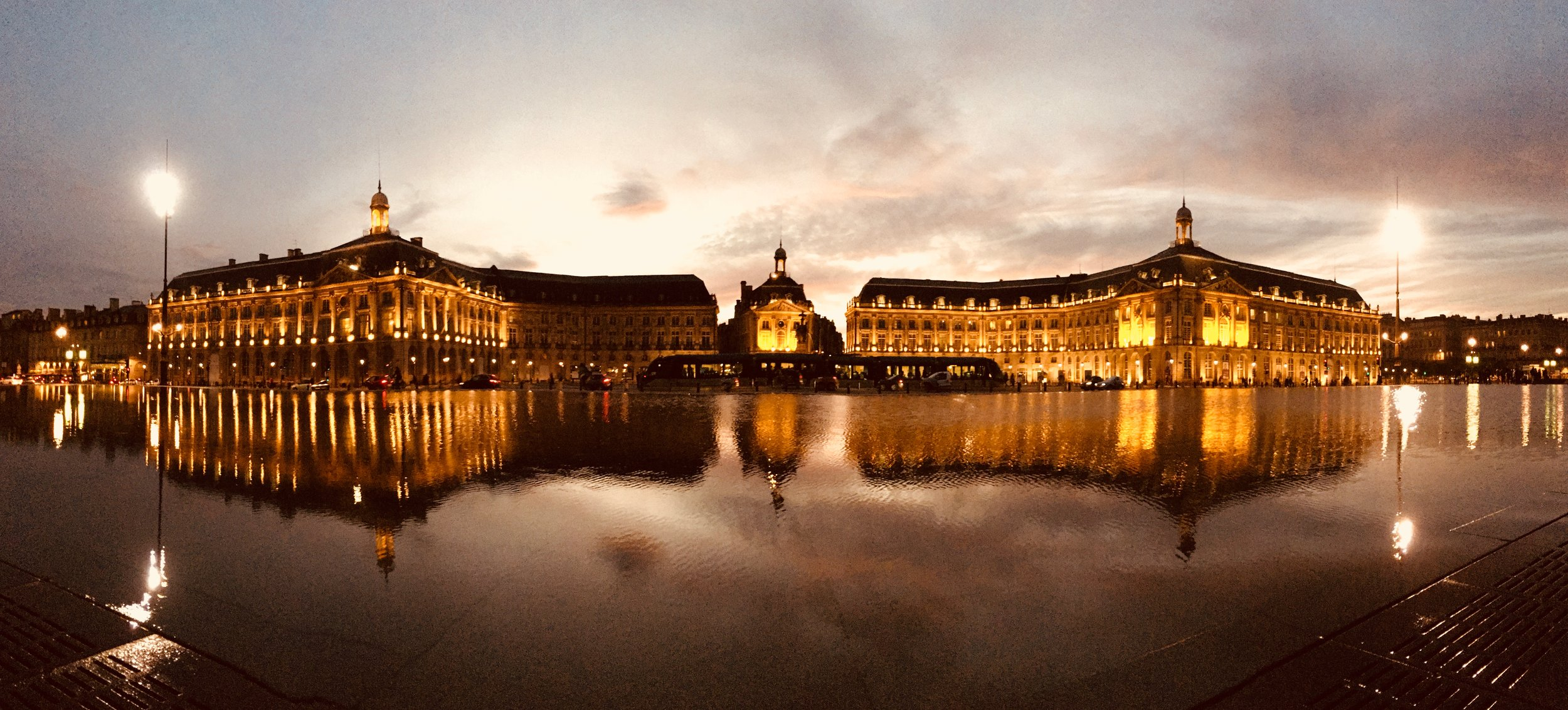 place de la bourse unesco bordeaux.jpg