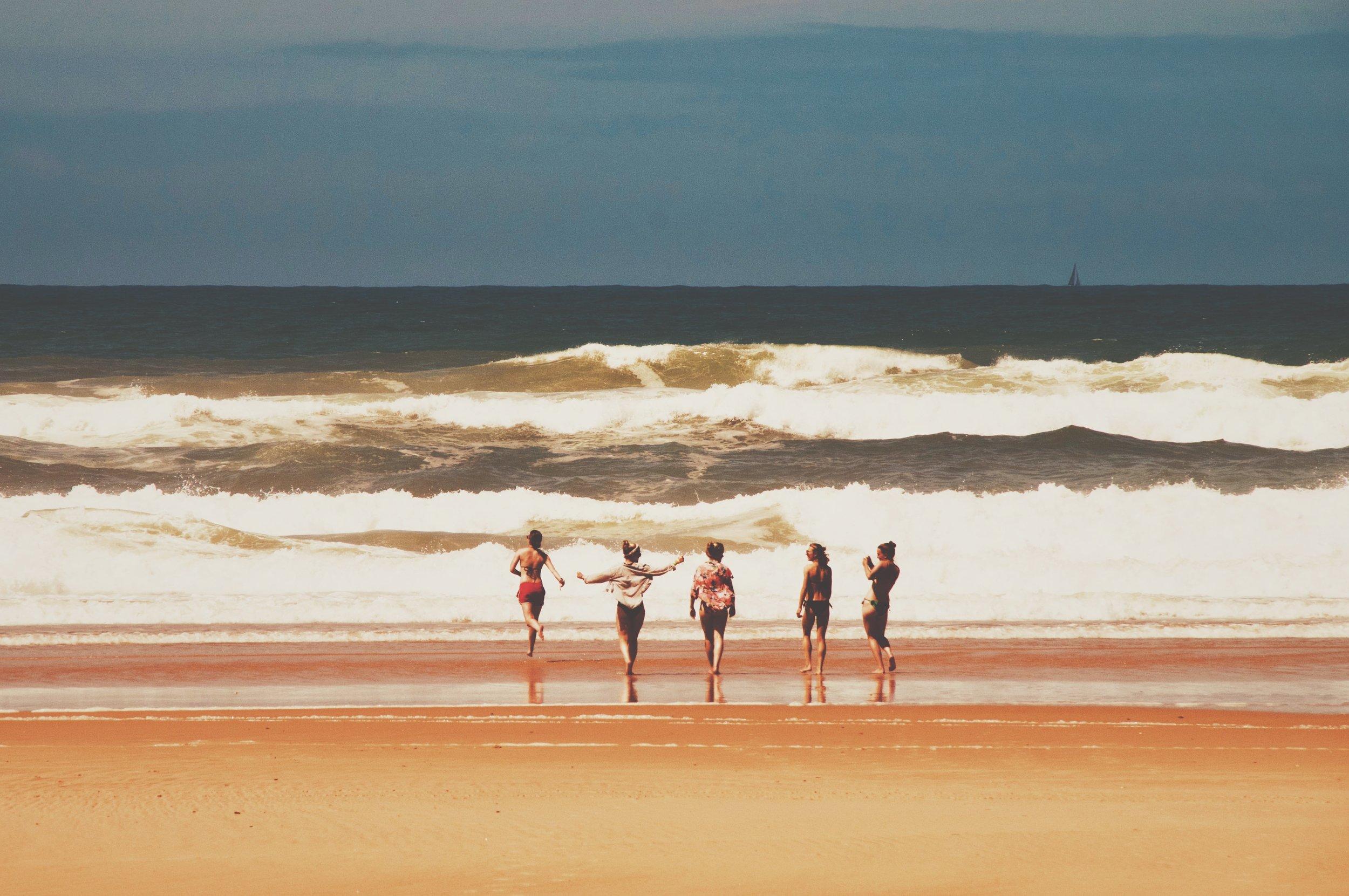 beach waves group-min.jpg