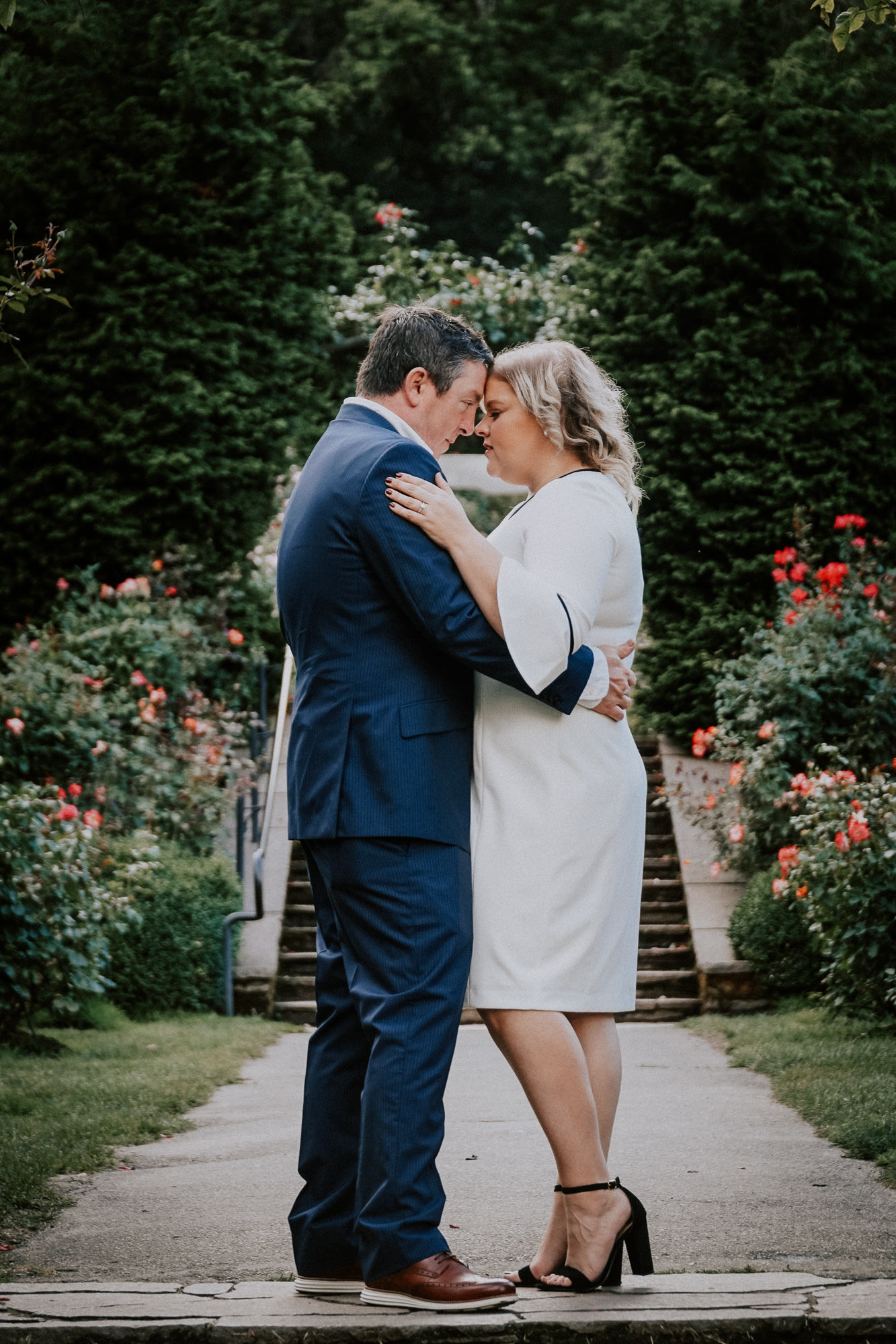 DSCPortland_Oregon_Rose_Garden_Engagement